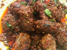 Mutton Handi Kabab * How to make Mutton Handi Kabab Restaurant Style * V. Goat Recipes, Veg Recipes, Indian Food Recipes, Cooking Recipes, Kebab Recipes, Recipies, Lamb Dishes, Curry Dishes, Tasty Dishes