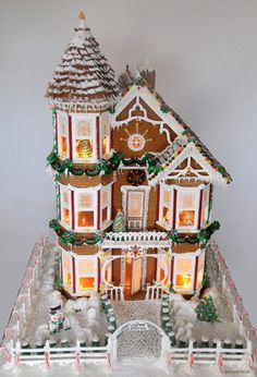 Victorian Gingerbread House Gingerbread House Patterns, Gingerbread Village, Christmas Gingerbread House, Noel Christmas, Gingerbread Man, Christmas Treats, Christmas Cookies, Christmas Decorations, House Decorations