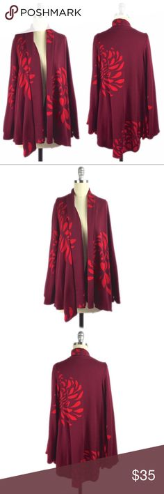 Boom By Joy Han Bell Sleeve Floral Open Cardigan S Gorgeous bell sleeve open front cardigan with floral print. Pockets at sides. No closure. 100% acetate. Dry clean. A040 Voom by Joy Han Sweaters Cardigans