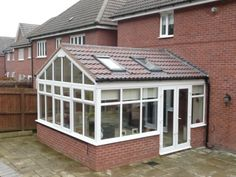 Don't ever want a conservatory that looks like this! Building Extension, Glass Extension, Rear Extension, Extension Ideas, Orangery Conservatory, Conservatory Extension, Conservatory Ideas, Glass Brick, House Extensions