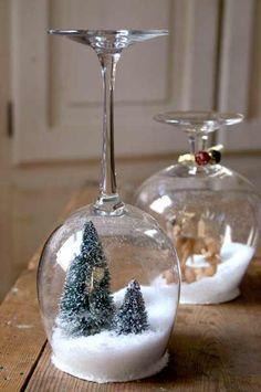 manualidad para hacer bolas de nieve caseras con copas de cristal