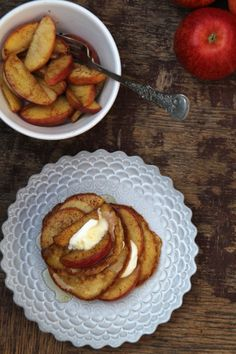 Apple pancakes with honey and yoghurt