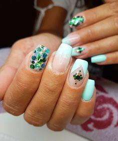 #glitternails #lovemyjob #nailinstagram #nailart #naildesign #nailporn #nailfetti #nailartist #hungarygirl #beautiful #greennails