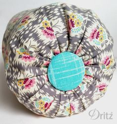 Bolster pillow with Dritz fabric covered button - easy #sewing project - great designer looks!