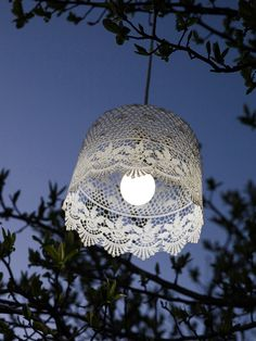 Battery Powered Lacy Lampshade - Rose Border