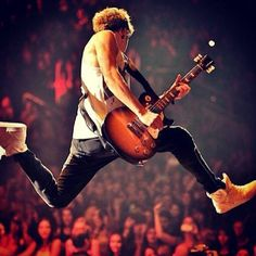 Awwww look at my baby  LOVE U NIALL   LIKE AND COMMENT FO A SHOUT OUT IN NEXT PIC