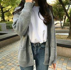 Korean Fashion – How to Dress up Korean Style – Designer Fashion Tips Edgy Outfits, Teen Fashion Outfits, Korean Outfits, Mode Outfits, Cute Casual Outfits, Modest Fashion, Fall Outfits, Casual Jeans, Korean Girl Fashion