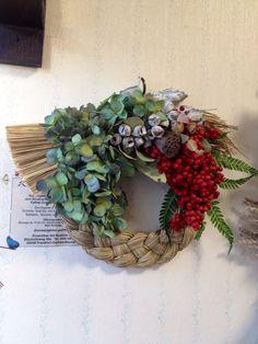 自然素材のお正月飾り*紫陽花とペッパーベリーのしめ縄リース*