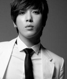 Jung Yonghwa Profile