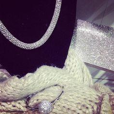 Illumina il tuo inverno #silver #pochette #accessories #fashionaccessories #bijou #bijouxlovers #befashion #wintercollection2015 #newcollection #blackfashion #blackfashionstore #makeyourfashionchoice