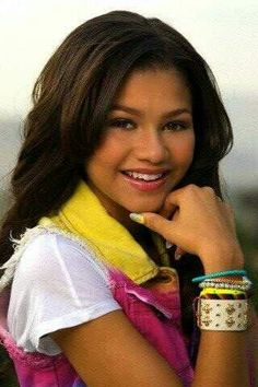 zendaya (wow she's pretty!)