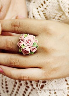 quirky costume jewellery in en trend floral style for 2016 spring wear alice Tiny soft pink ring made by polymer clay Fimo Ring, Polymer Clay Ring, Polymer Clay Flowers, Fimo Clay, Polymer Clay Projects, Polymer Clay Creations, Clay Beads, Clay Crafts, Rosa Ring