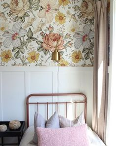 Madelyn Wallpaper (Peel & Stick)