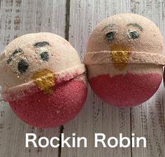 Handmade Robin Bath Bomb #robin #robins #robinbathbomb #christmasbathbombs Christmas Bath Bombs, Rockin Robin, Robins, Cruelty Free, Fragrance, Perfume, Colours, Handmade, Hand Made