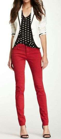 44 Ideas How To Wear Red Pants Casual Spring Outfits Fashion Mode, Work Fashion, Fashion Outfits, Womens Fashion, Trendy Fashion, Fashion Black, Fashion Scarves, Jeans Fashion, Fashion Trends