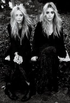 Mary Kate and Ashley Olsen #twins #sisters #blackandwhite