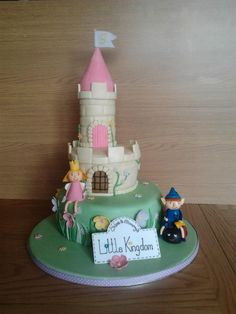 Cara and mummy's little kingdom! Haha Ben and holly cake
