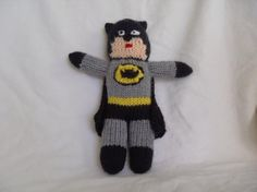 Knitting Patterns Toys Free knitting pattern for Batman toy and more super hero knitting patterns Loom Knitting, Knitting Patterns Free, Knit Patterns, Free Knitting, Knitting Toys, Free Pattern, Charity Knitting, Easy Patterns, Sweater Patterns