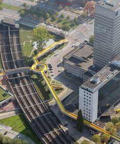 Luchtsingel pedestrian footbridge in the city of Rotterdam (NL) |  by Rotterdam-based architecture studio ZUS, and Hofbogen BVCitizens | https://www.yatzer.com/luchtsingel-bridge-rotterdam