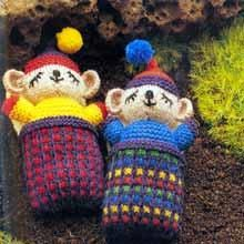 Little Sleepy Knitted Mice - Free Pattern here: https://au.lifestyle.yahoo.com/better-homes-gardens/craft/articles/a/-/5832162/little-knitted-mice/
