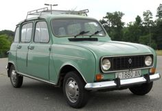 Learn more about Quatrelle Vert: 1980 Renault TL on Bring a Trailer, the home of the best vintage and classic cars online. Retro Cars, Vintage Cars, Antique Cars, Smart Fortwo, Classic Sports Cars, Classic Cars, Renault Nissan, Super Pictures, Good Old Times