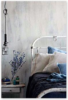 jeans franse slaapkamer slaapkamerdecoratie huisdecoratie interieurontwerp huisdesign blauwe kamers prachtige slaapkamers