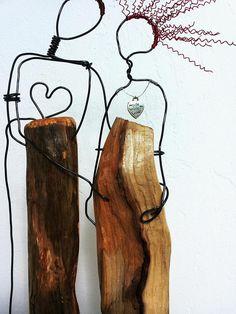 Draht-Skulptur, paar Hochzeitsgeschenk, Bürodekor, Geschenk für ihn, Draht-Skulptur, Treibholz Skulptur, Liebe, Jahrestag Geschenk, ihr Geschenk ► Materialien - Kupferdraht, Draht, Holz ► Maße Länge 7(17 cm) Höhe 14,5(37 cm) ► VERSAND Jeder Artikel ist sehr sorgfältig verpackt,