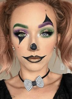13 Easy Halloween Makeup Ideas that Don't Need Skill Maquillage Halloween Clown, Halloween Makeup Clown, Halloween Eyes, Halloween Looks, Cute Clown Makeup, Creepy Halloween, Simple Halloween Makeup, Simple Halloween Costumes, Simple Costumes