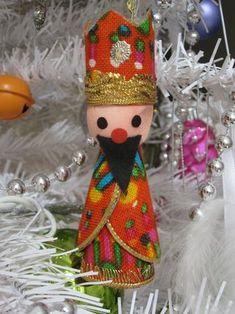 Vintage Christmas decorations via Wee Birdy.
