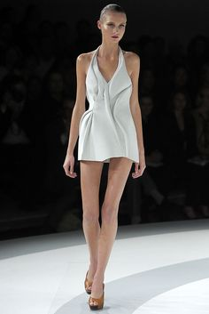 Chalayan Spring 2009 Ready-to-Wear Collection Photos - Vogue