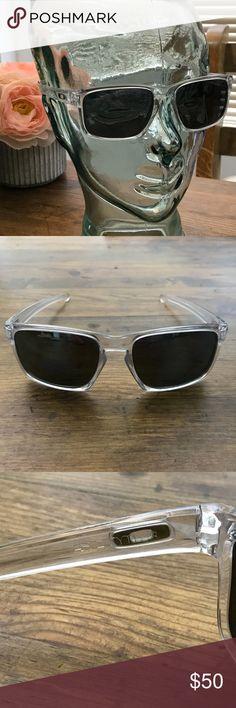 Oakley Silver Clear Sunglasses Men s Polarized Oakley Silver Clear  Sunglasses Men s Polarized Wear these great sunglasses 6bea3527c2e2