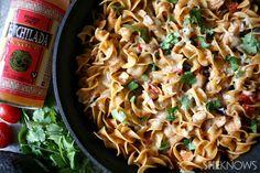 One-pot chicken enchilada pasta... looks super easy and tasty!