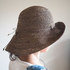Popular classic design.  Easy hat to match any style.  Since the wide brim, also higher awning effect, to carry since it is possible to fold soft and convenient!   Viva La Vida RAFFIA Fine crochet hat Russet  http://kanden43.jp/?pid=1512990   #HoldinghandsHerat #VivaLaVida #Raffia #raffiahat #hat #strawhat #FashionAccessories #FashionGoods #LadiesFashion #NaturalFashion #Natural #Naturalsystem #selectshop #Japan