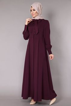 Sırtı Fiyonklu Pardesü Ferace Bordo Ürün Kodu: 41565 --> 129.90 TL Hijab Gown, Hijab Dress Party, Abaya Designs, Abaya Fashion, Fashion Dresses, Dress Outfits, Estilo Abaya, Abaya Mode, Hijab Stile