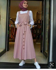 modern hijab fashion Limage contient peut-tre : un - Hijab Style Dress, Modest Fashion Hijab, Modern Hijab Fashion, Muslim Women Fashion, Hijab Fashion Inspiration, Islamic Fashion, Hijab Outfit, Fashion Muslimah, Modesty Fashion