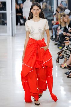 Y/Project Spring 2018 Ready-to-Wear  Fashion Show