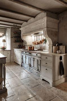 Luxury Bespoke Handmade Kitchens in Surrey — Figura French Kitchen, Old Kitchen, Home Decor Kitchen, Country Kitchen, Bespoke Kitchens, Luxury Kitchens, Cool Kitchens, Deco Design, Küchen Design