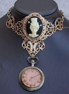 Edgar Poe Victorian Steampunk Pocket watch Locket by pinkabsinthe Steampunk Couture, Viktorianischer Steampunk, Steampunk Pocket Watch, Steampunk Design, Steampunk Wedding, Steampunk Necklace, Steampunk Clothing, Steampunk Fashion, Bling Bling