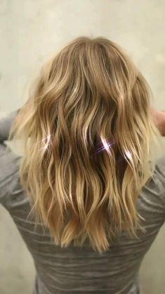 #haircut #livedinhair #anhcotran #milbonhair #milbonpro #haircolor #haircare #hairlength #beauty #style #bridalhair #bridalbeauty #winterbeauty #haircutideas #hairstyles #haircuttypes #celebrityhair #celebrityhairstylist #hairtransformation #hairdresser #cut #color #hairinspo #midlegth #layers #newhair #newhaircut #fall2020 #hairmakeover #christmashair Haircuts For Thin Fine Hair, Cute Hairstyles For Medium Hair, Hairstyles With Bangs, Pretty Hairstyles, Layered Haircuts For Women, Bangs With Medium Hair, Medium Hair Styles, Curly Hair Styles, Golden Blonde Hair