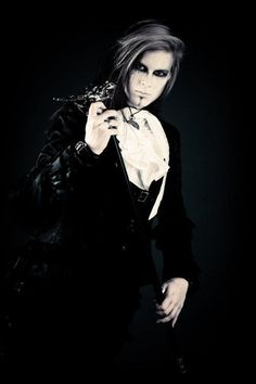 Maybe someone will be Vampire Male Makeup, Goth Makeup, Dark Fashion, Gothic Fashion, Goth Chic, Gothic Men, Gothic Photography, Gothic Culture, Goth Guys