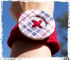 Crochet Bracelet Red Tartan - The Laughing Gecko Gift Shoppe Crochet Bracelet, Tartan, Laughing, Baby Shoes, Bracelets, Red, Cotton, Gifts, Fashion