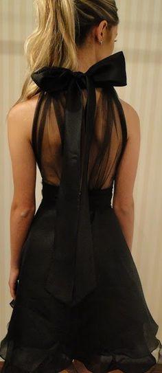 Little black dress to make going to Paris like a fairy tale, hello princess!