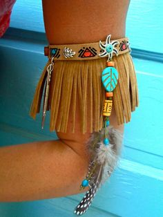 This leather fringe arm bracelet is so adorable. Check out what other kinds of f… This leather fringe arm bracelet is so adorable. Check out what other kinds of fringe is trending over on. Feather Jewelry, Gypsy Jewelry, Tribal Jewelry, Beaded Jewelry, India Jewelry, Beaded Choker, Indian Costumes, Diy Costumes, Arm Bracelets