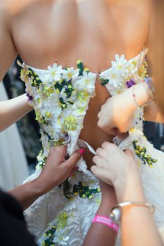 Giambattisia Valli SS15 | Backstage - Getting ready