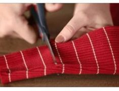 17 IDEE SIMPATICHE RICICLANDO CARTONE Christmas Time, Xmas, Fingerless Gloves, Arm Warmers, Mamma, Cords, Pain, Biscotti, Hamburger