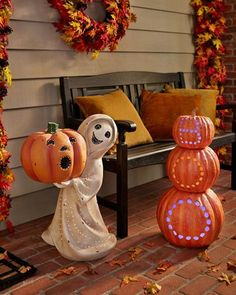 Spooky season is about to commence. Let these bewitching décor and friendly fiends take over your porch! Country Style Homes, French Country Style, French Country Decorating, Rustic Country Kitchens, Balsam Hill, Halloween Season, Pumpkin Carving, Decor Styles, Halloween Decorations