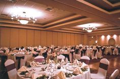 Elegant Wedding | The Center @ Holiday Inn | Breinigsville, PA | Call 610.391.1000 today for your tour!