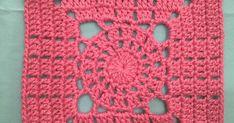 Bom dia!!! Com crochê já cedinho!!! Estou adorando estes estudos, no final deste mês terei 30 blocos diferentes, testados e adaptados ao meu... Crochet Squares, Granny Squares, Afghans, Crocheting, Projects To Try, Crochet Patterns, Blanket, Pink, Craft Ideas