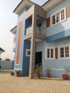 Amazing home in a great Neighborhood! Welcome to this light and bright three(3) bedroom all en suite duplex. The home offers an open and flexible floor plan for today's modern lifestyle which includes a two(2) bedroom all en suite BQ, gate house, bore-hole, ample parking space, electronic gate at Abuja. #realestate #property #house #duplex #forsale #Abuja #Nigeria Gate House, Parking Space, House Elevation, Dream Life, Nice View, Home Goods, House Plans, Floor Plans, Real Estate