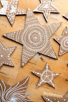 Beautiful math stars - STEAM lesson plans - star mandala craft art and math You are in the right place about creative crafts Here we offer you - Christmas Activities, Christmas Crafts For Kids, Christmas Projects, Kids Christmas, Holiday Crafts, Christmas Ornaments, Gingerbread Ornaments, Cardboard Gingerbread House, Reindeer Craft